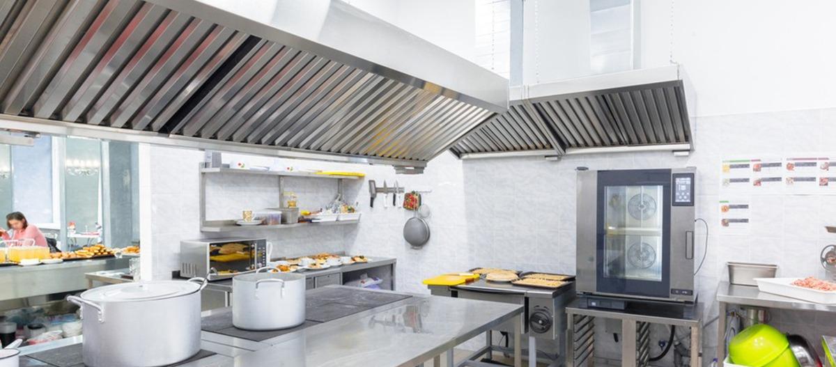 O uso do exaustor de cozinha industrial